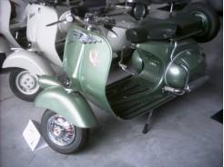 VESPA 51 125 cc (VACANZE ROMANE)